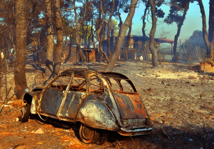 The car victims of the Greek Fires  (8 pics)