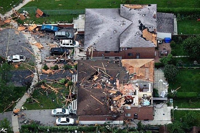 Tornado in Canada (33 pics)