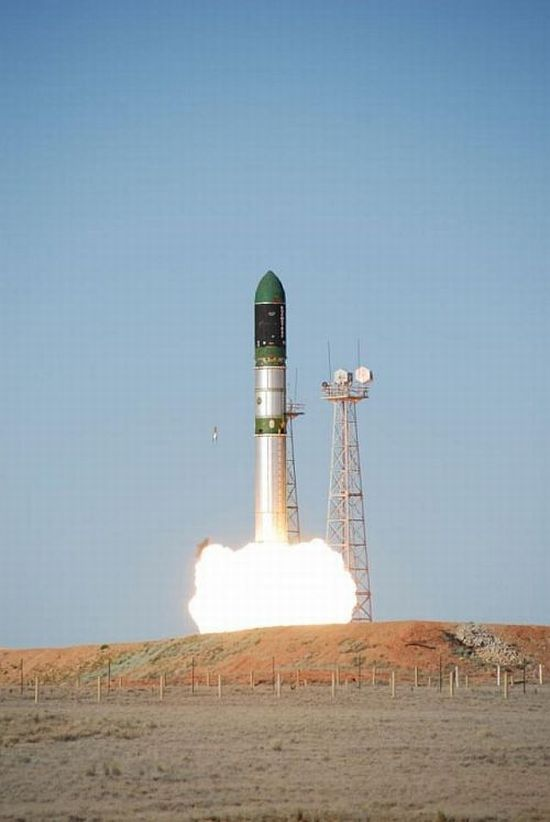 Rocket launch (15 pics)