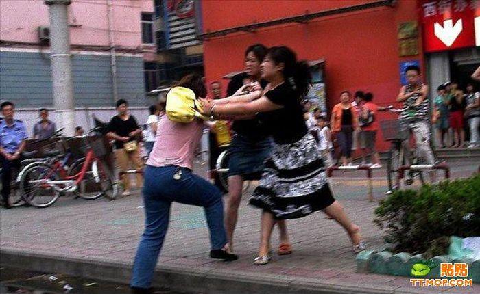 عکس: دعوا و کتک کاری چند خانوم در چین