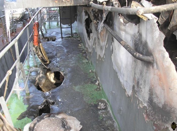 Russian ship after some accident (13 pics)