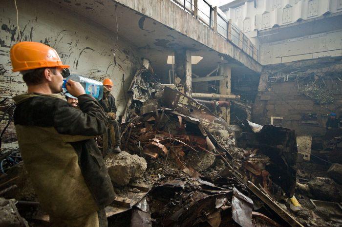 Construction works at the Sayano-Shushenskaya power plant (44 pics)
