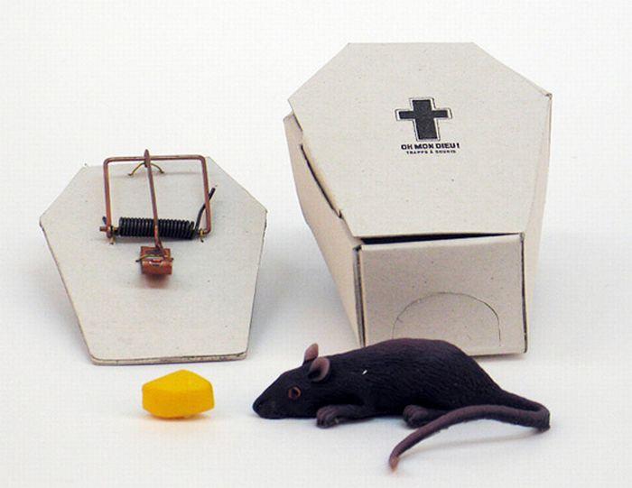 Coffin shaped mousetrap (4 pics)