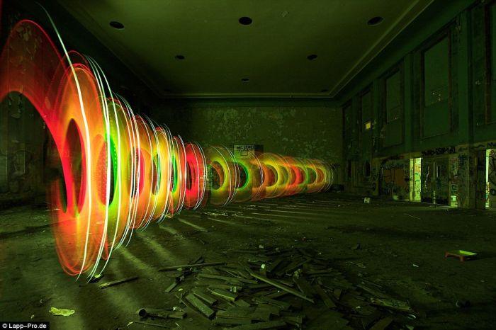 Amazing light graffiti (10 pics)