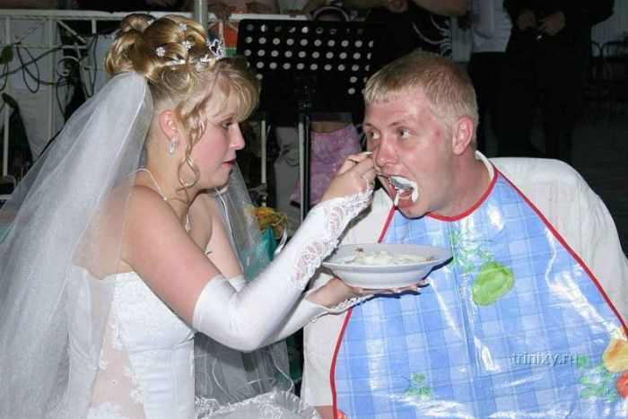 Top 100 photos that will never make it to the wedding album
