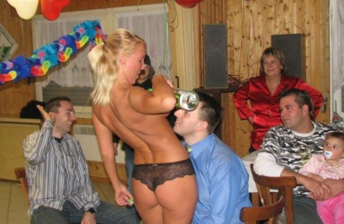 Children watching striptease (7 pics)