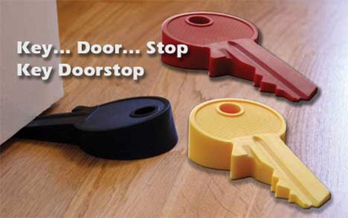 Unusual Doorstoppers  (13 pics)