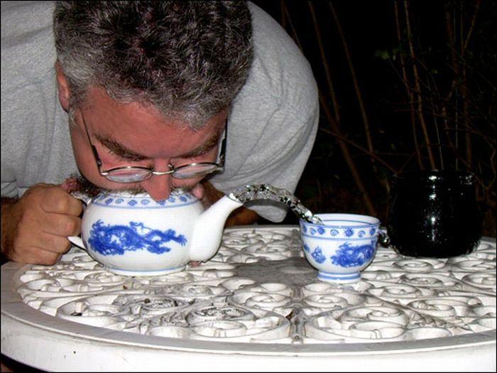 Teapot-Blowing Contest (17 pics)