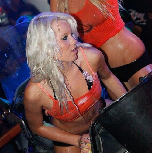 Sexy Party In Belgium (42 pics)