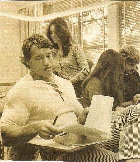 Young Arnold Schwarzenegger (15 pics)
