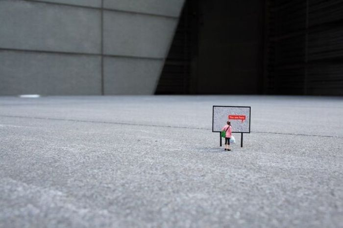 Little people in the big world (39 pics)