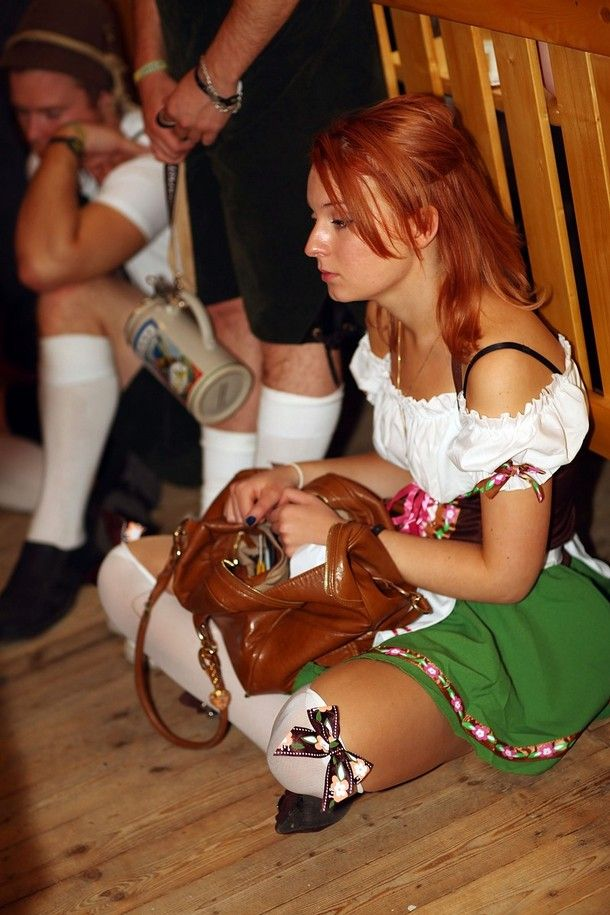 The Girls Of Oktoberfest 2009 (34 pics)