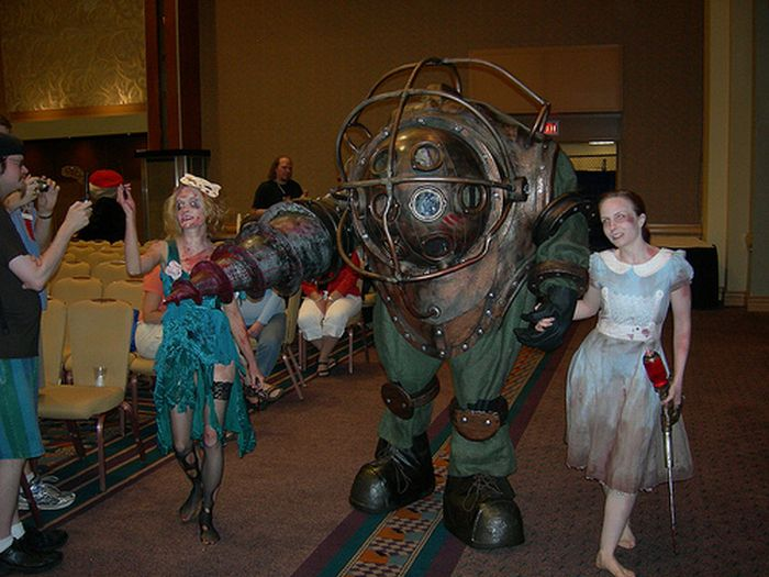 How to made a Big Daddy Costume (53 pics)