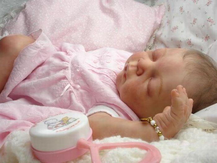 """""""Live"""" Baby Dolls (31 pics)"""