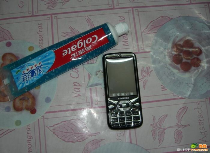 How to clean a phone (11 pics)