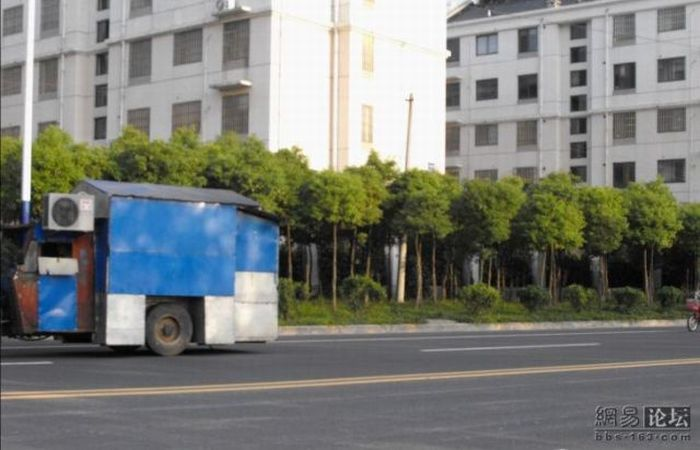 House On Wheels in China (5 pics)