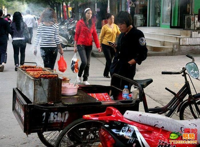 Chinese Grill Bike (5 pics)