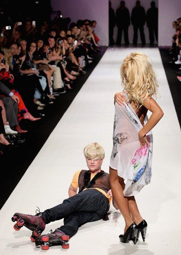 Pamela Anderson Walks The Catwalk (15 pics) NSFW