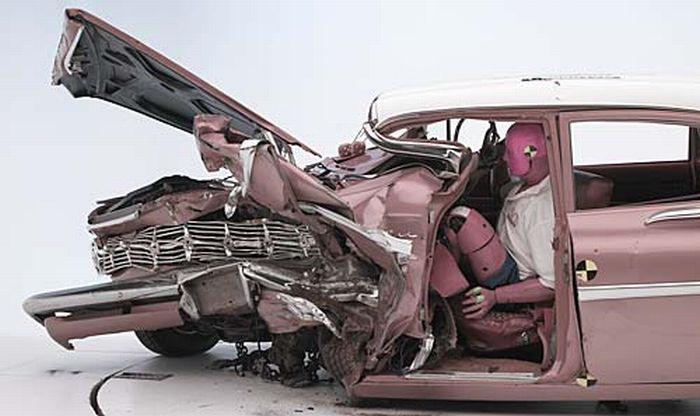 '09 Chevy Malibu vs. '59 Chevrolet Bel Air (7 pics)