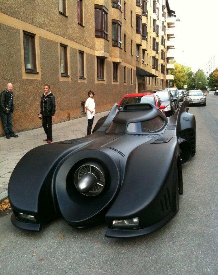 Cool Batmobile Replica (6 pics + video)