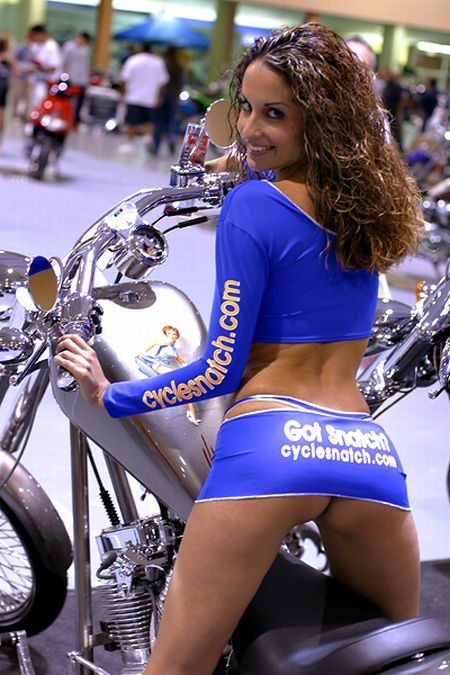 """Team CycleSnatch"" Babes (61 pics)"