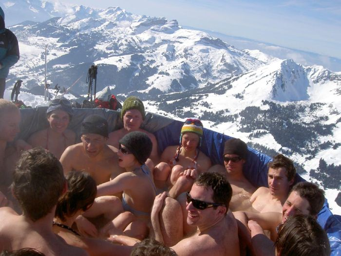 Hot Tub On The Top Of A Mountain (23 pics)