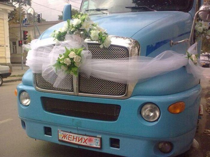Wedding Lorry (5 pics)
