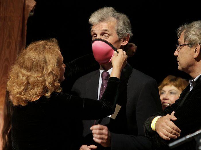 A bra that converts into a gas mask (5 pics)