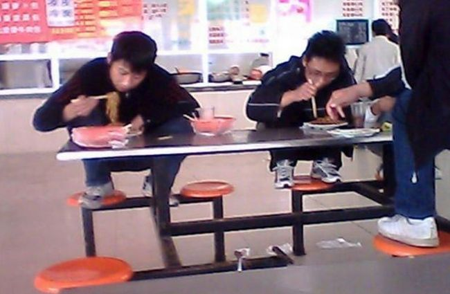 School Cafeteria in China (6 pics)