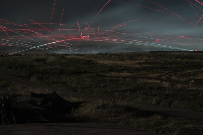 Military Maneuvers At Night in Russia (20 pics)