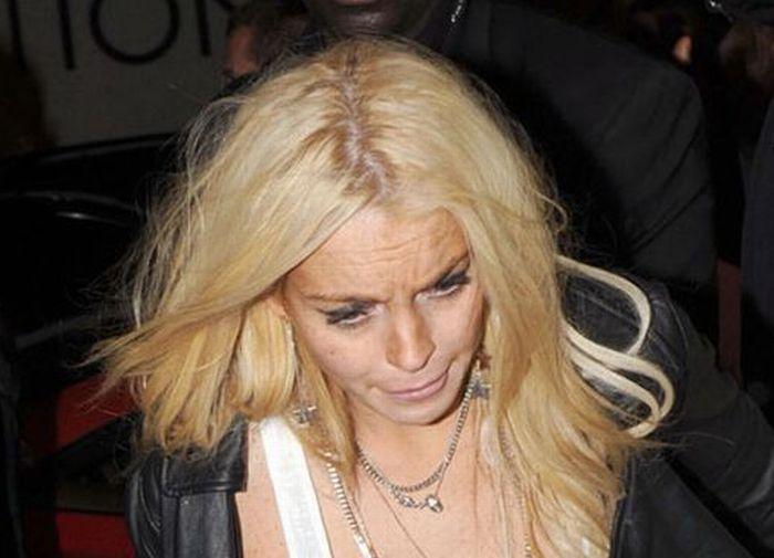 Lindsay Lohan Looks Bad (6 pics)