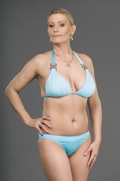 Miss Plastic Hungary (18 pics)