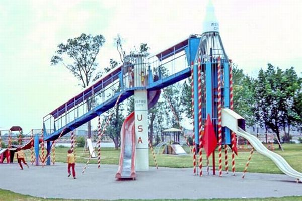 Playground From The 70s (25 pics)