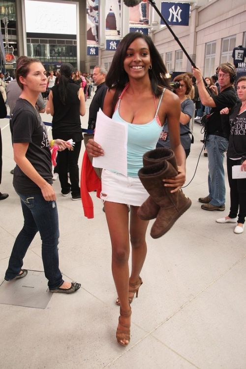 Victoria's Secret Model Casting in New York (10 pics)