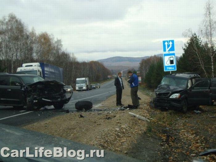 Lexus Crash In Russia (5 pics)