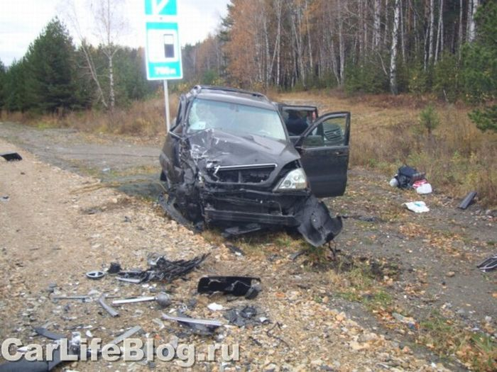 Lexus Crash In Russia (5 pics)
