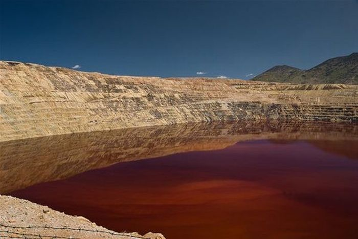 Berkeley Pit – the most dangerous and toxic lake (7 pics)