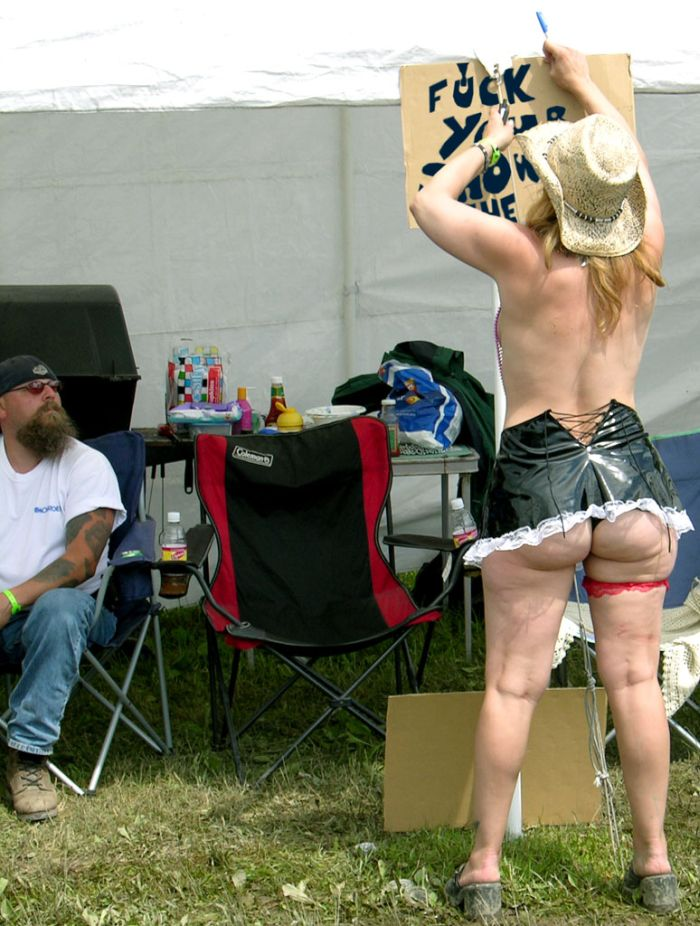 Scary Photos Of A Harley Festival (26 pics)