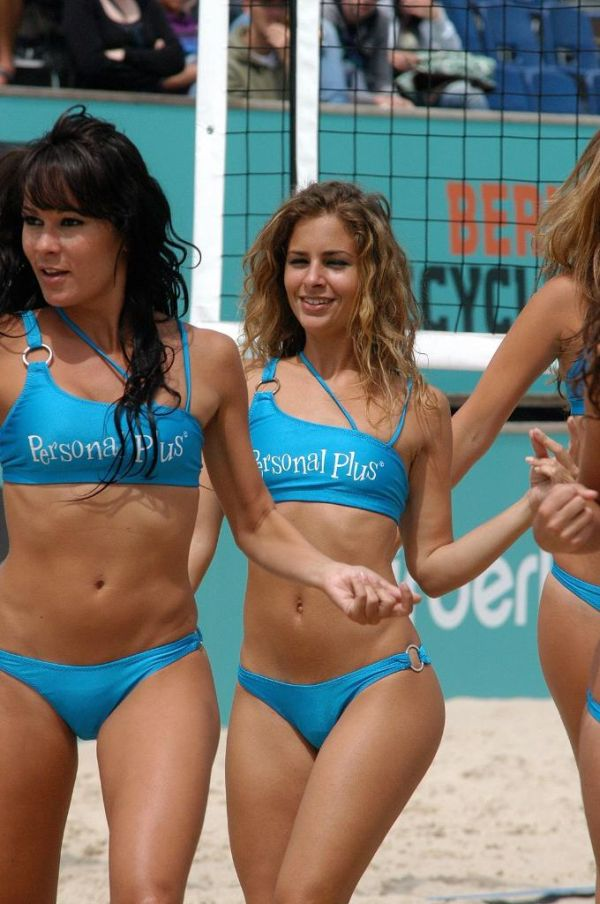 Beach Volleyball Bikini Cheerleaders (61 pics)
