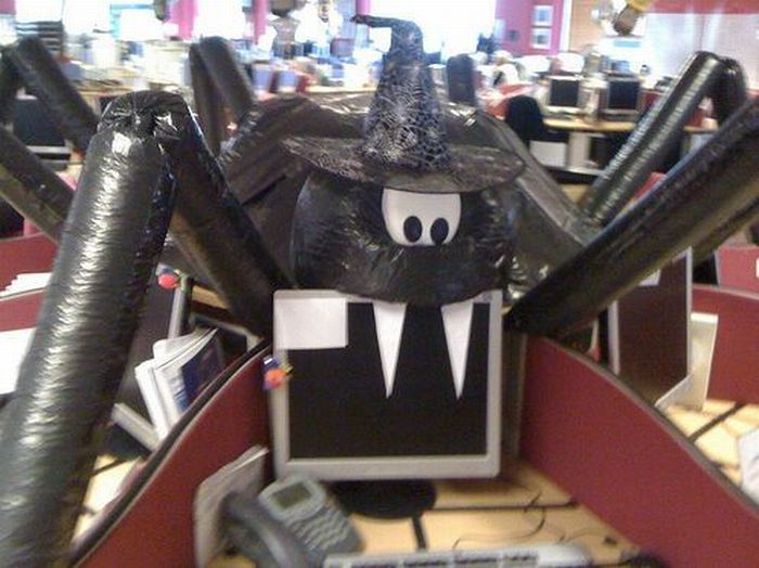 Halloween Office Decoration (5 pics)