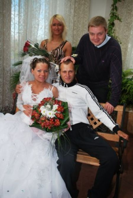 Strange Wedding in Russia (20 pics)