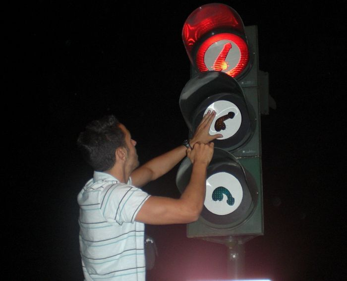 What can we do with traffic lights? (3 pics)
