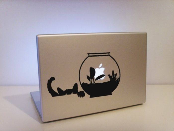 Playing With Apple's Apple (9 pics)