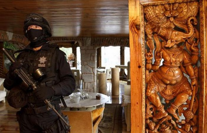 Confiscated Property Of Mexican Drug Lords (32 pics)