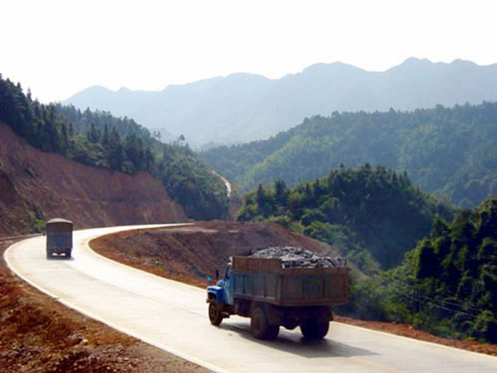 State Road 319 in China (14 pics)