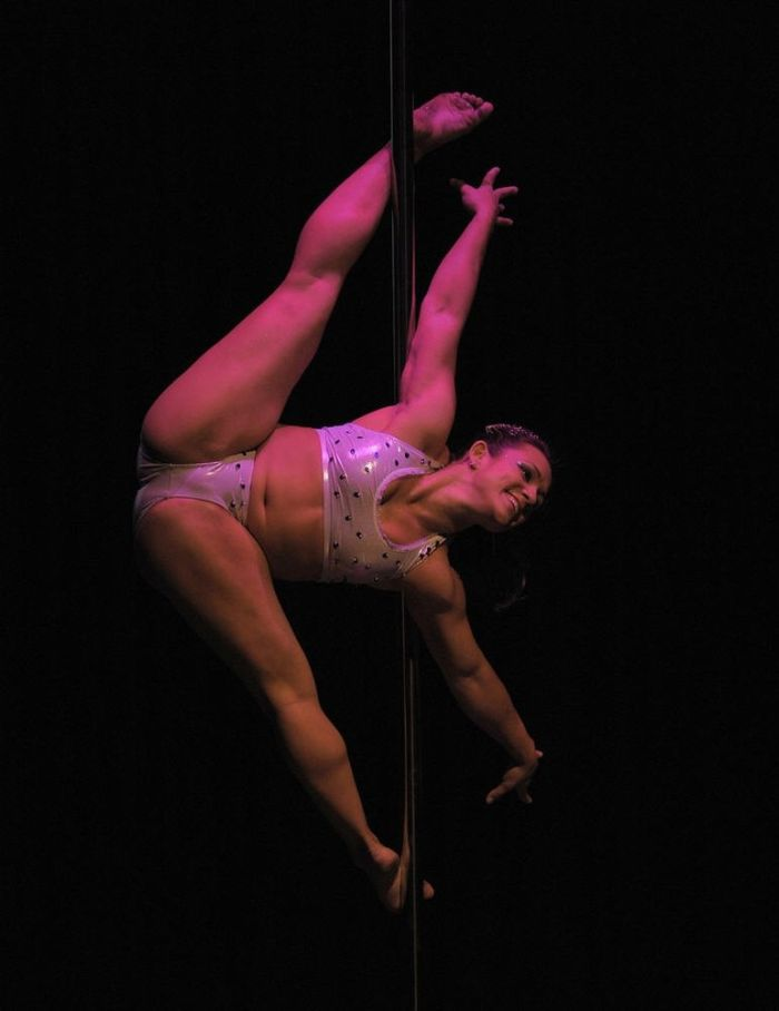 Miss Pole Dance South America (12 pics)