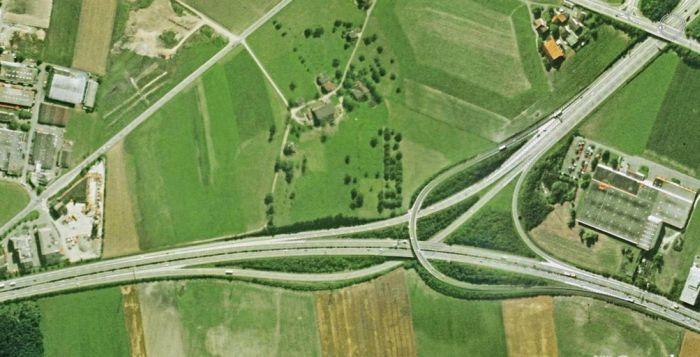 Amazing Freeway Interchanges (23 pics)