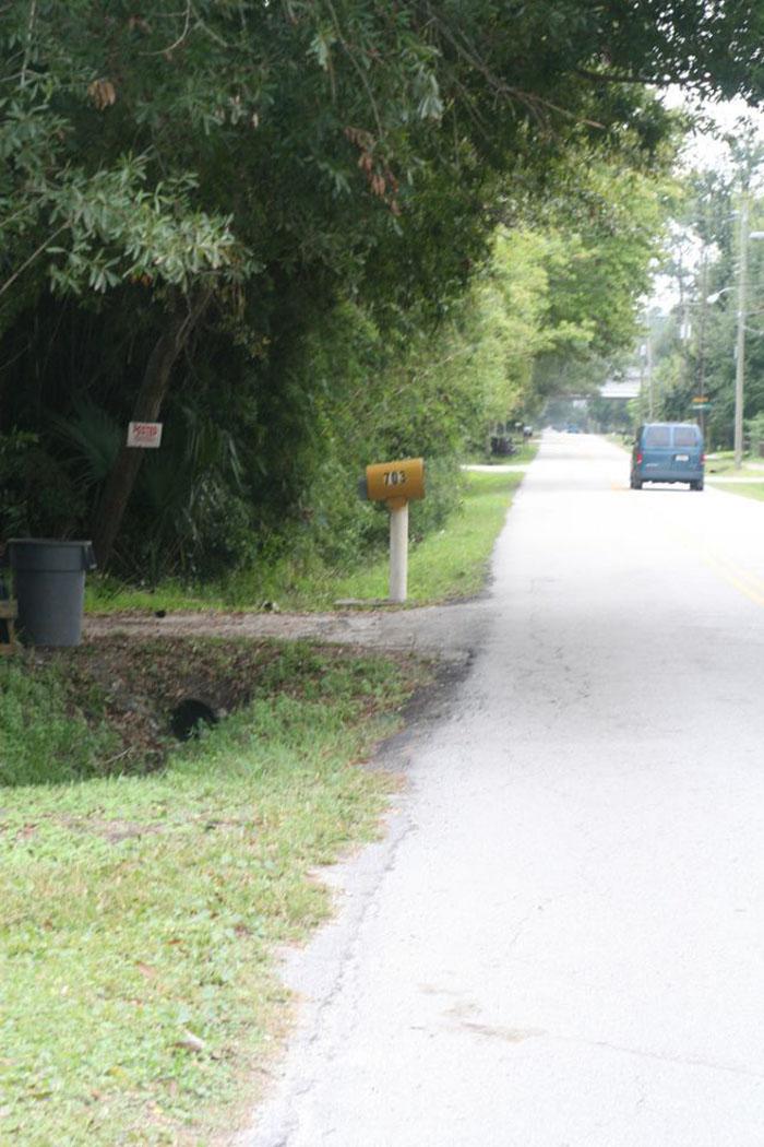 Grand Cherokee vs Mailbox (21 pics)