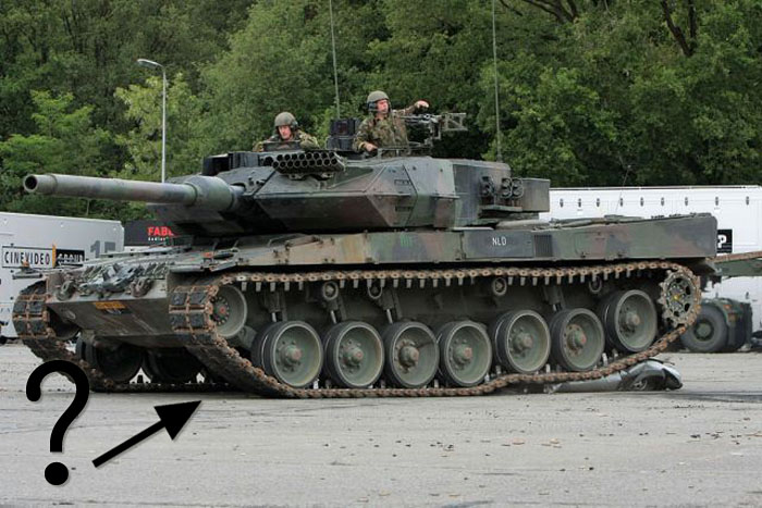 Tank vs Car (6 pics)