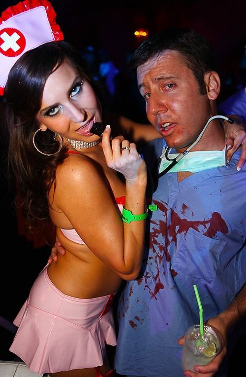 Sexy Halloween Costumes (53 pics)